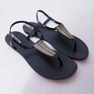 NWOT Ipanema Rubber Sandals